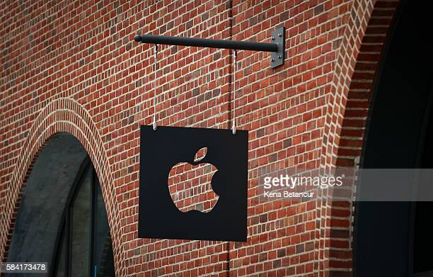 The new Brooklyn Apple Store is seen during a media preview in the Williamsburg neighborhood of Brooklyn on July 28 2016 in New York City The...