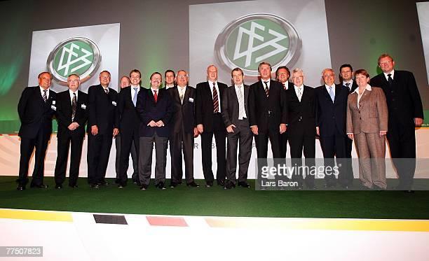 The new chairmanship of the German Football Association Gerhard Mayer-Vorfelder, Horst R. Schmidt, Hans-Dieter Drewitz , Matthias Sammer, Peter...