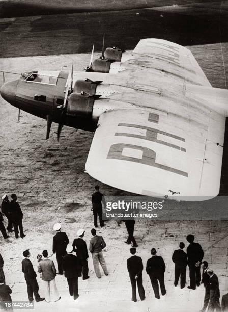 The new fourengined Fokker aeroplane F 36 for the longest world passenger flight distance Amsterdam Batavia Croydon Airport/London About 1935...