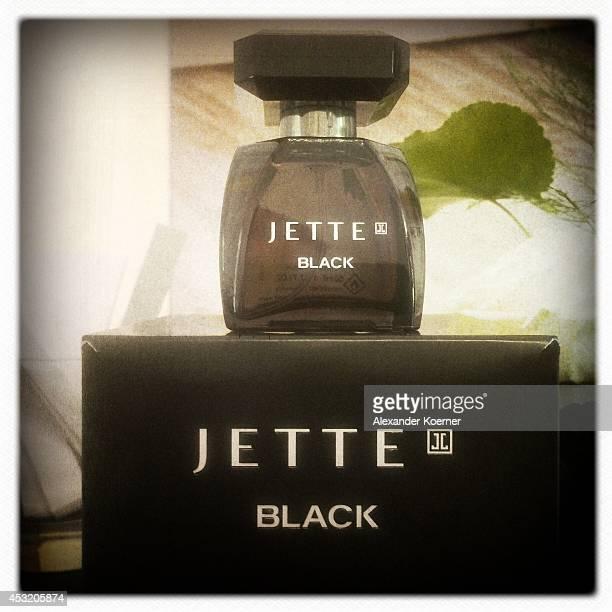 das billigste Temperament Schuhe meistverkauft World's Best Jette The New Magic Of Black For Douglas Stock ...