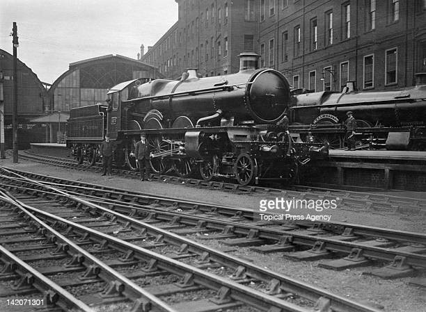 The new GWR 4073 locomotive 'Caerphilly Castle' August 1923 Behind it is the 'Lady Godiva'