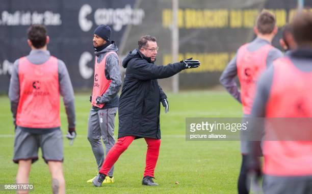 The new head coach of the German 2 Bundesliga team FC St Pauli Markus Kauczinski leads his first training session with the team in Hamburg Germany 7...