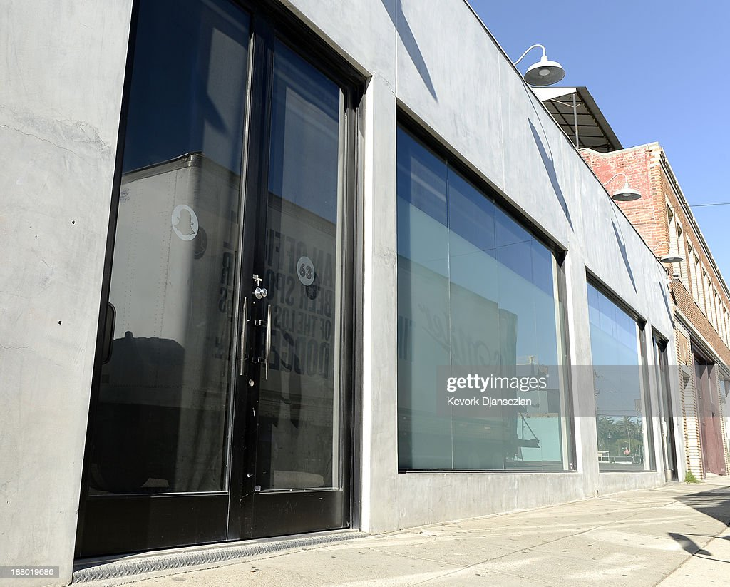 The new headquarters of Snapchat , the popular social network startup that lets users send each other photos that quickly disappear, is seen November 14, 2013 in Venice, California. Snapchat recently turned down a $3-billion buyout offer from Facebook.