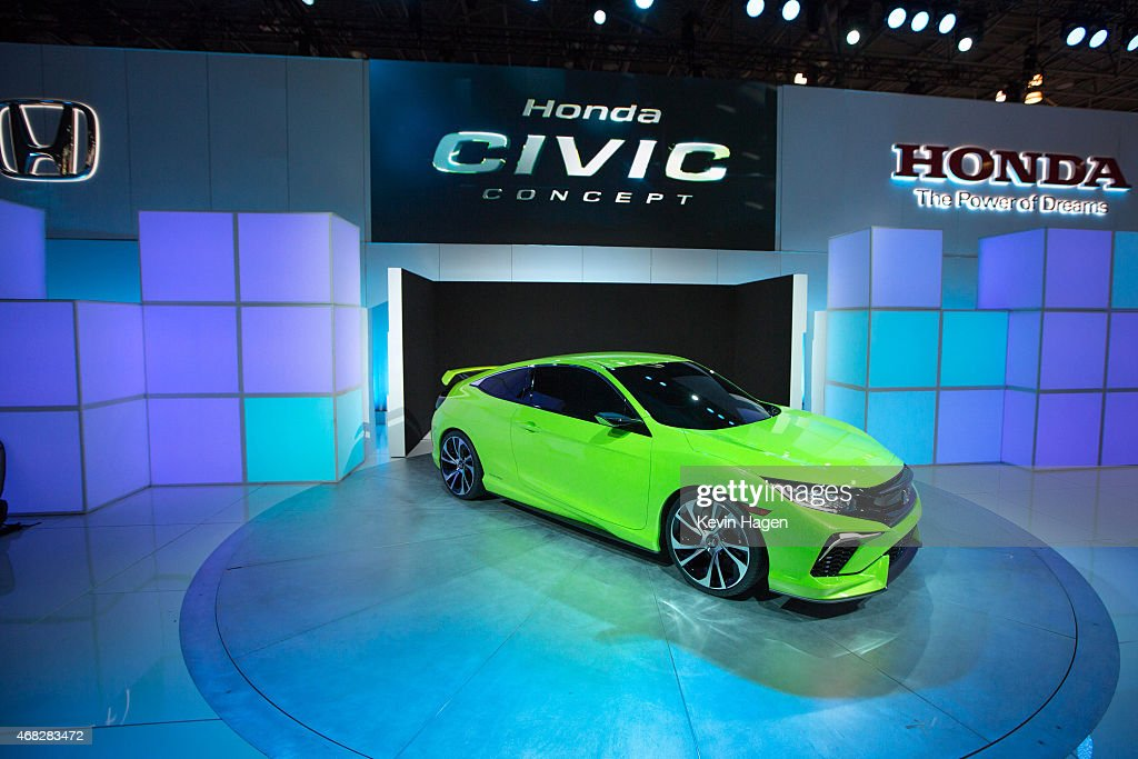 Automakers Showcase New Models At New York International Auto Show : ニュース写真