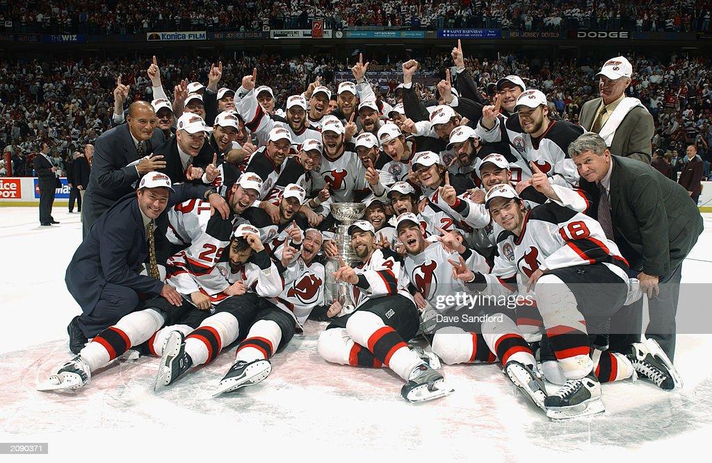 Devils celebrate : ニュース写真
