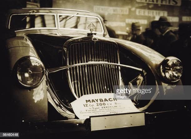 The new Maybach at the Salon Automobile in Paris The 12barrelmodel Zeppelin with 200 hp was able to accelerate up to 200 km/h Photography1932 [Der...