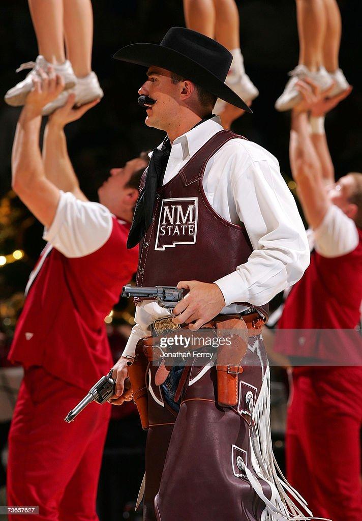 NCAA First Round ? Texas v New Mexico St. : News Photo