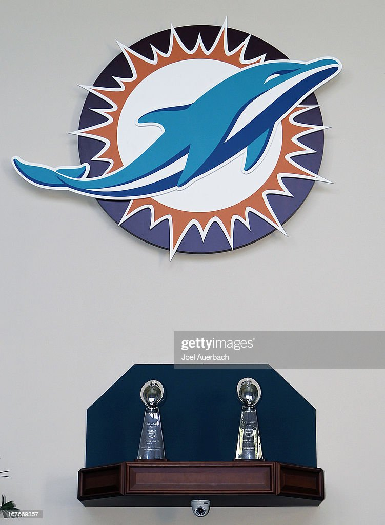 Miami Dolphins Hold Press Conference For Dion Jordan : ニュース写真