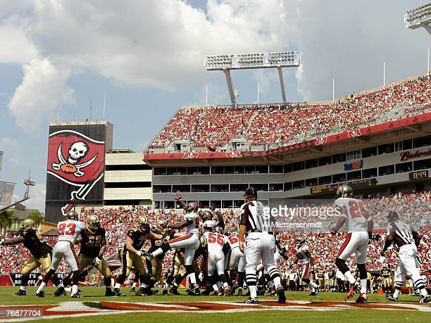 The New Orleans Saints convert an extra point against the Tampa Bay Buccaneers during a weektwo NFL game on September 16 2007 at Raymond James...