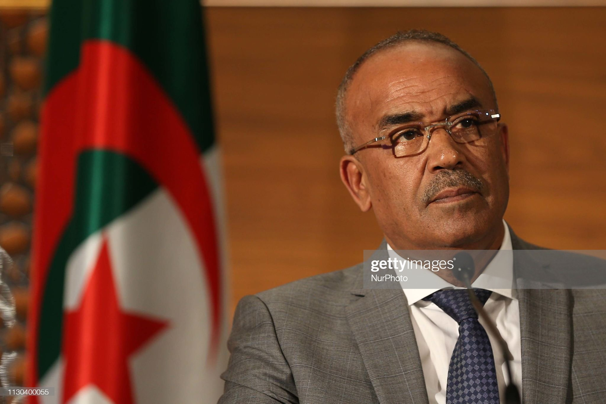 Norteafricanos The-new-prime-minister-noureddine-bedoui-hosts-a-press-conference-in-picture-id1130400055?s=2048x2048