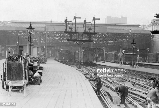 The new roof of Charing Cross station in London as seen from the platform 1907