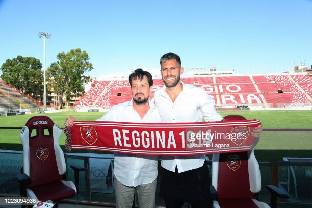 11 762 Reggina Calcio Photos And Premium High Res Pictures Getty Images