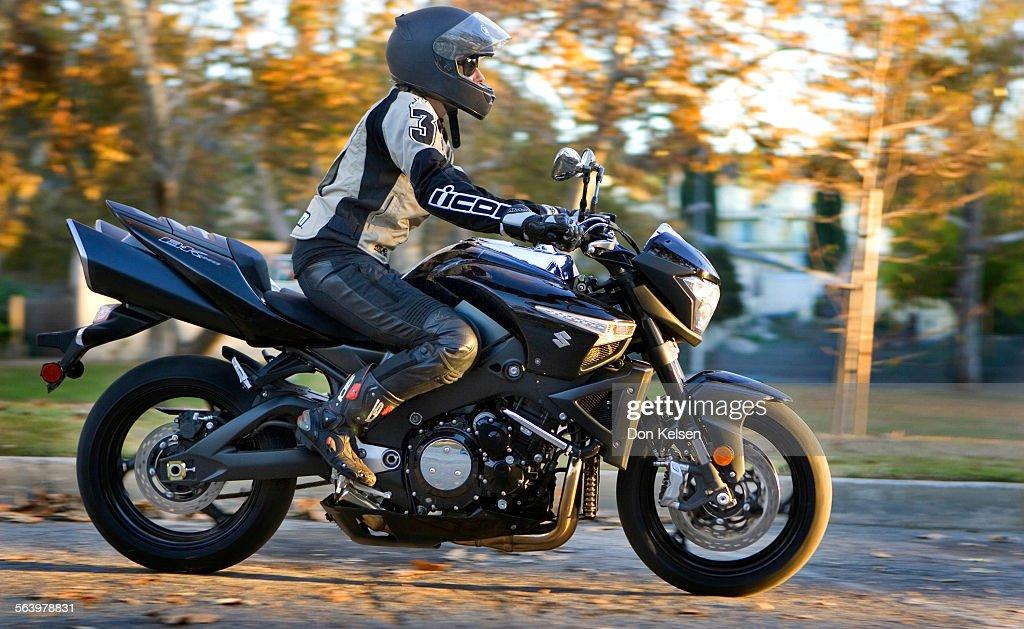 Los Angeles) – The New Suzuki B King Ultimate Street Bike a 1340