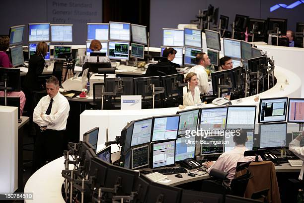 Dealing Room Stock Photos And Pictures Getty Images