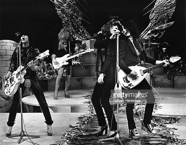 The New York Dolls perform live on TopPop TV show for AVRO TV at Hilversum Studios on December 06 1973 LR Sylvain Sylvain Arthur Kane David Jahansen...