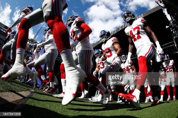 The New York Giants take the field before the first half against the Los Angeles Rams at MetLife Stadium on October 17, 2021 in East Rutherford, New...