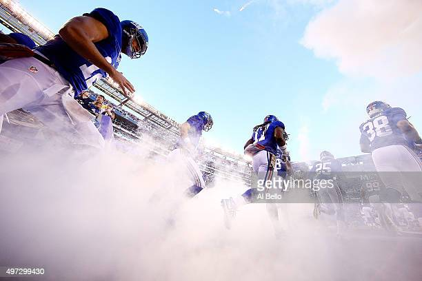 The New York Giants take the field prior to the game against the New England Patriots at MetLife Stadium on November 15, 2015 in East Rutherford, New...