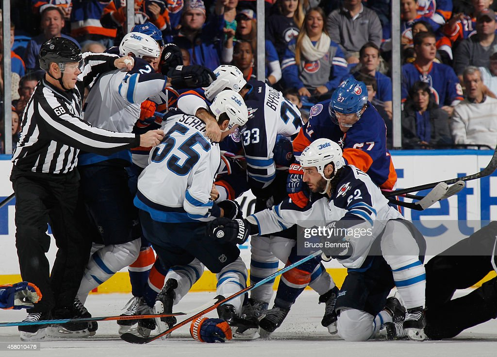 Winnipeg Jets v New York Islanders : News Photo