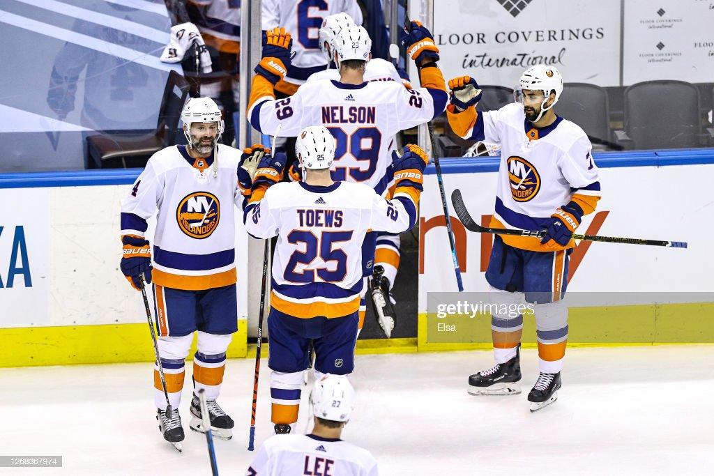 New York Islanders v Philadelphia Flyers - Game One : News Photo