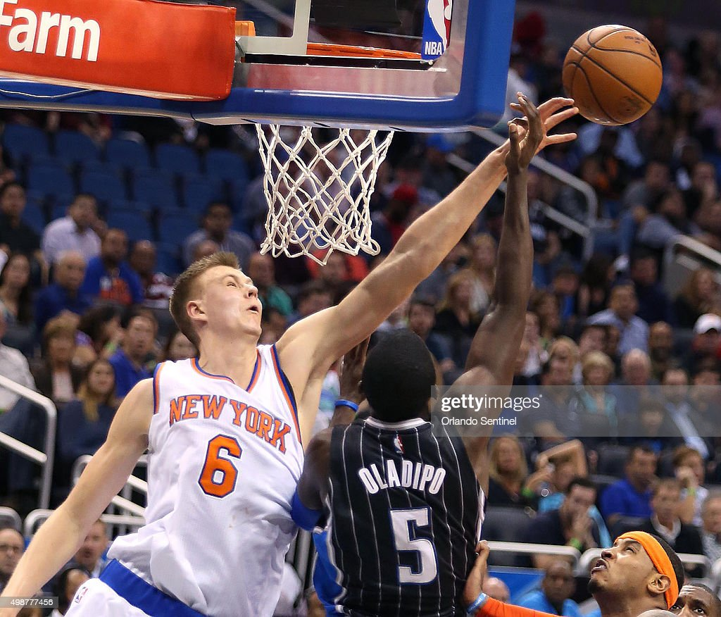 the new york knicks 39 kristaps porzingis blocks the shot of the photo d 39 actualit getty images. Black Bedroom Furniture Sets. Home Design Ideas