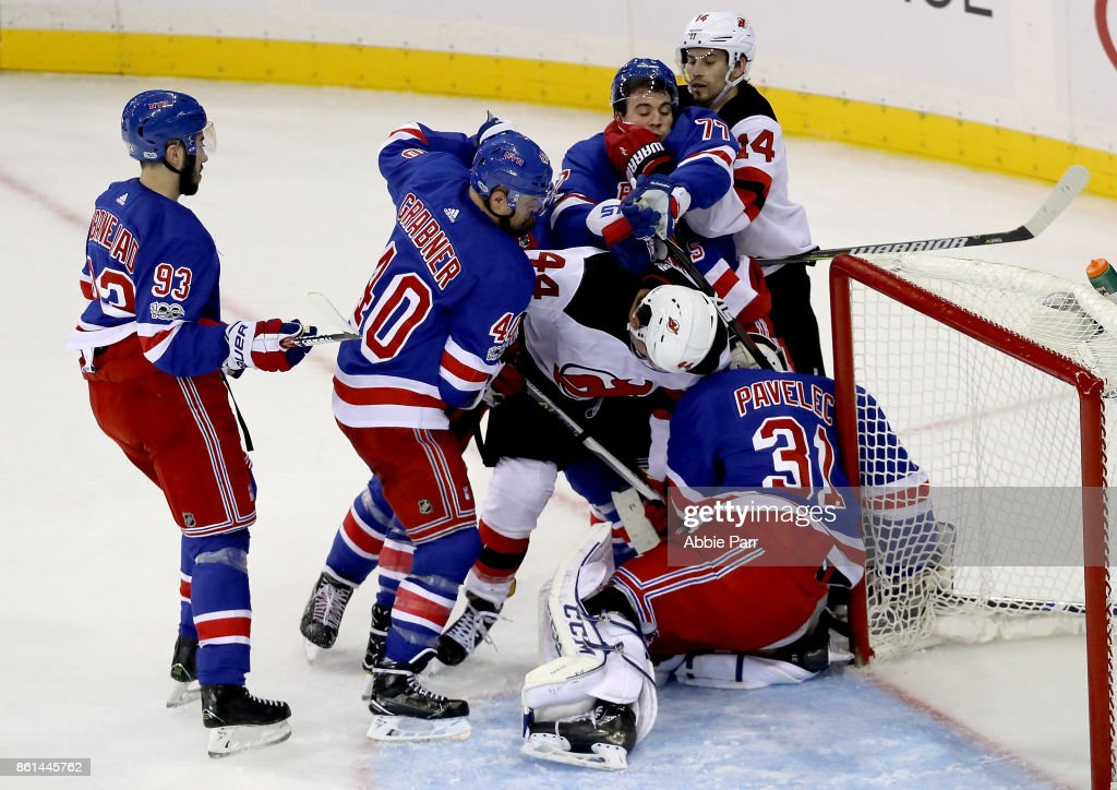 new concept a6f84 f3474 The New York Rangers and New Jersey Devils fight for the ...