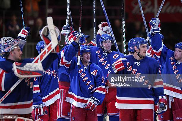 The New York Rangers celebrate after defeating the Atlanta Thrashers 42 to win the 2007 Eastern Conference Quarterfinals four games to none on April...