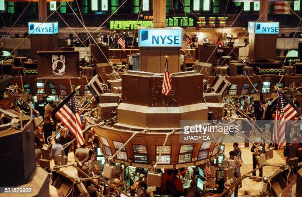 the new york stock exchange. - börsensaal stock-fotos und bilder
