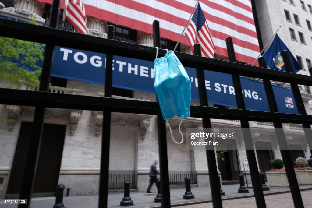 NY Stock Exchange Re-opens To Limited Number Of Traders : News Photo