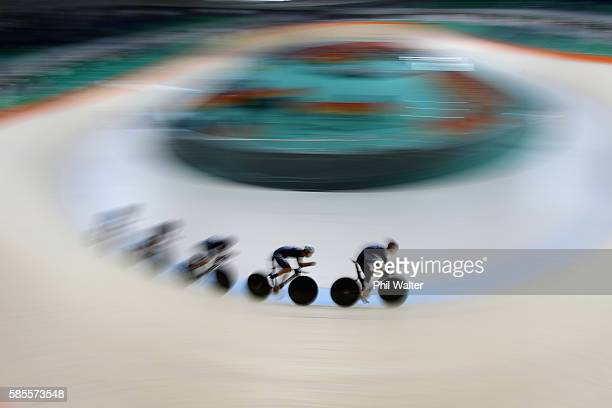 The New Zealand Mens Team Pursuit team of Hayden Roulston Dylan Kennett Piet Bulling Aaron Gate and Dylan Kennett during a practice session at the...