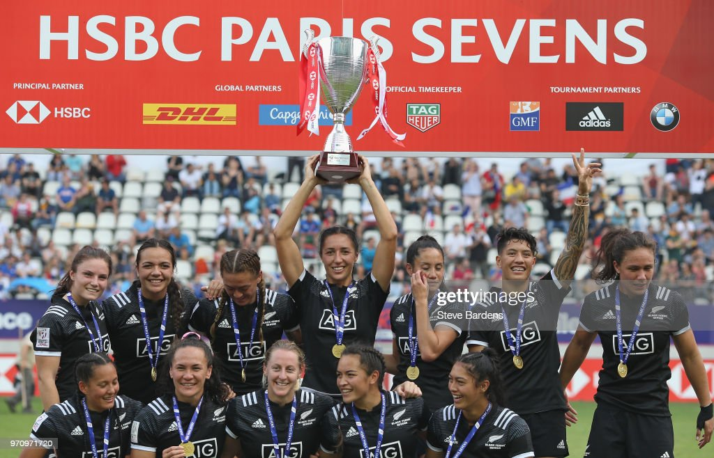 The New Zealand players celebrate with the Cup after their victory in the Women's Cup Final between New Zealand and Australia during the HSBC Paris Sevens at Stade Jean Bouin on June 10, 2018 in Paris, France.