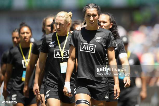 The New Zealand womens captain Sarah Goss leads her team to warm-up during the 2017 HSBC Sydney Sevens at Allianz Stadium on February 4, 2017 in...