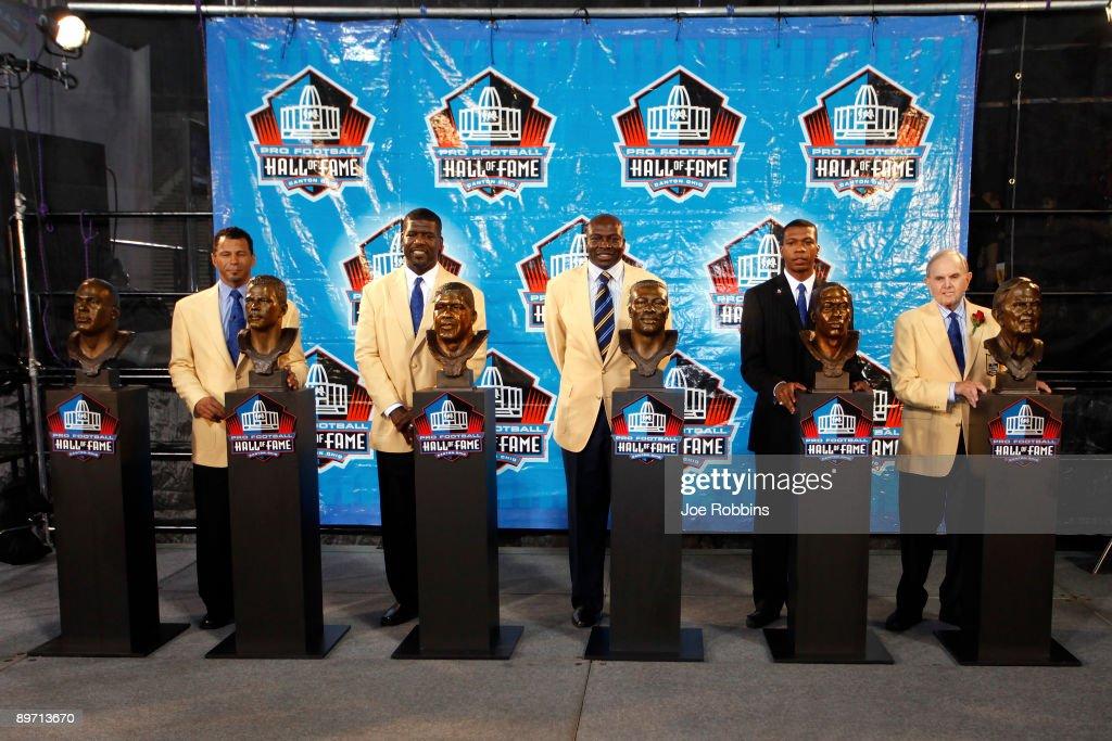 2009 Pro Football Hall of Fame Enshrinement Ceremony : ニュース写真