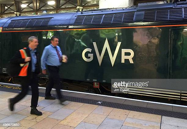 The newly designed GWR logo adorns a loco at Paddington station on November 11 2015 in London England Refurbished Great Western Railway trains are...