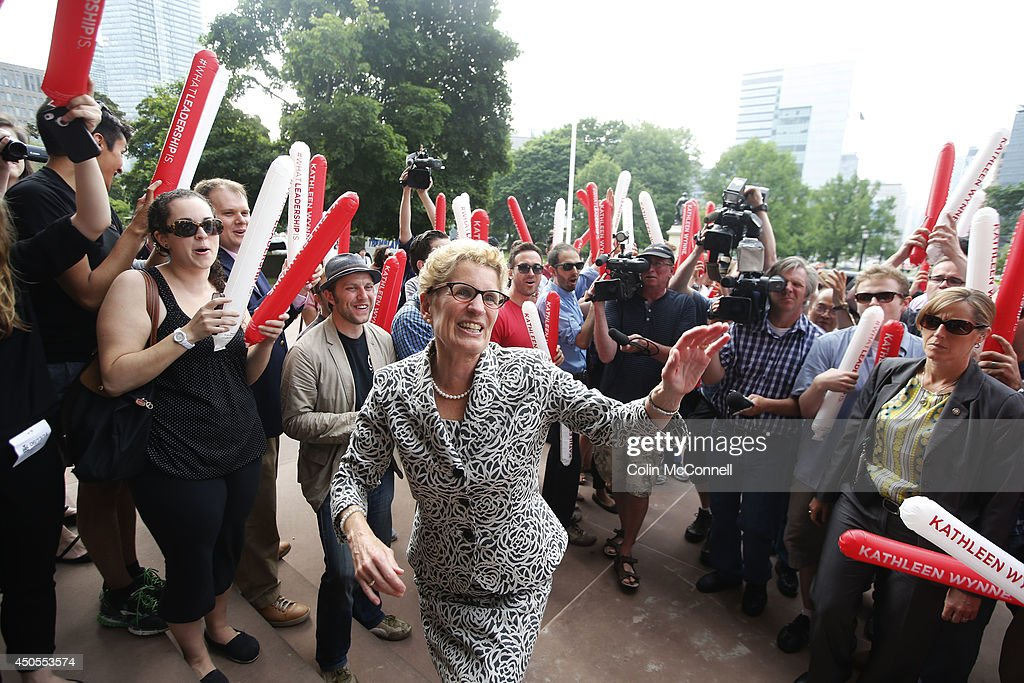 Newly elected Premier Kathleen Wynne is greeted by her supporters : News Photo