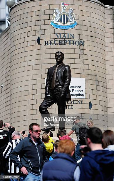The newly unveiled Sir Bobby Robson statue stands outside Sports Direct Arena before the Barclays Premier league match between Newcastle United and...