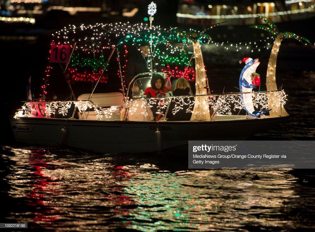 Christmas Boat Parade Newport Beach.The Newport Beach Christmas Boat Parade Kicks Off In Newport