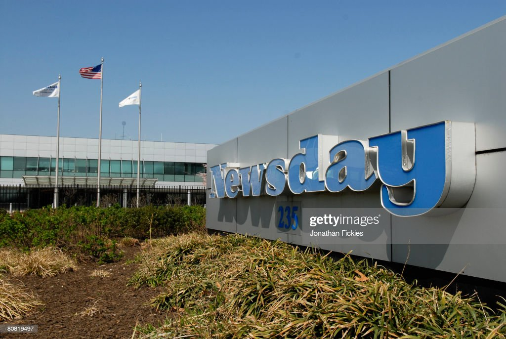 Murdoch's News Corp. To Purchase Newsday : News Photo
