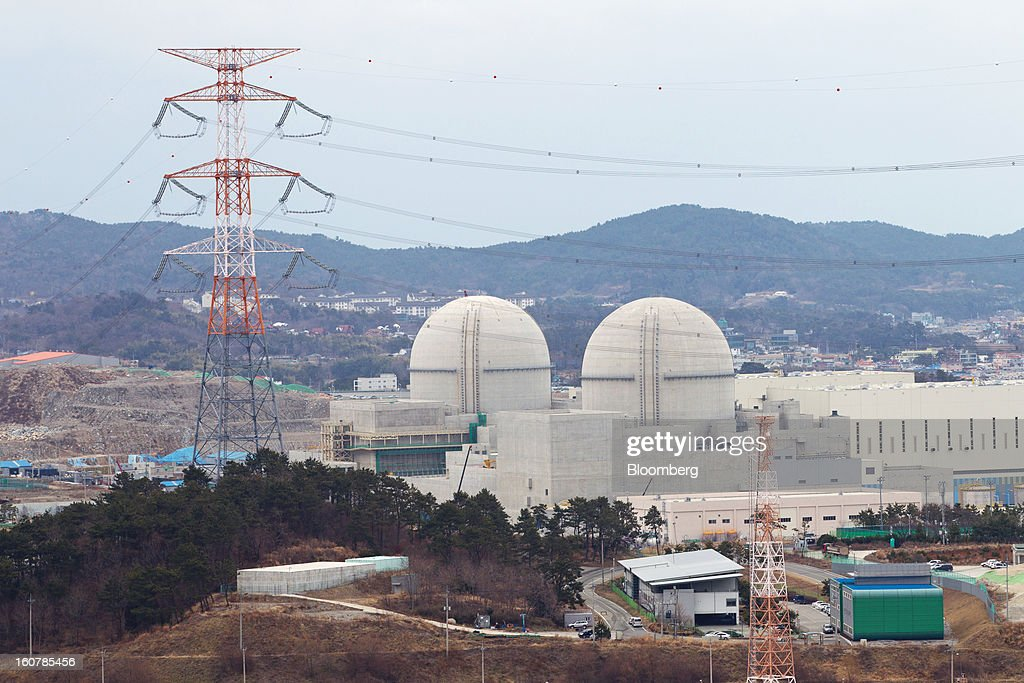 The No. 3, right, and No. 4 reactor buildings stand under construction at Korea Hydro & Nuclear Power Co.'s Shin-Kori nuclear power plant in Ulsan, South Korea, on Tuesday, Feb. 5, 2013. Korea Hydro, a unit of Korea Electric Power Corp. (Kepco), operates 23 reactors in the country. Photographer: SeongJoon Cho/Bloomberg via Getty Images