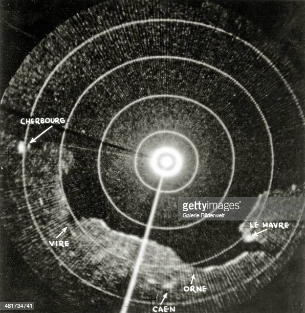 Radar image of a bomber from the U.S. Air Force in a distance of about 3000 - 4000 meters. June 1944. The mouths of the rivers Orne and Vire and the...
