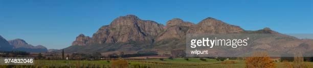 Die Nordwand des Simonsberg Cape Winelands Panorama Blick auf die Berge im Herbst