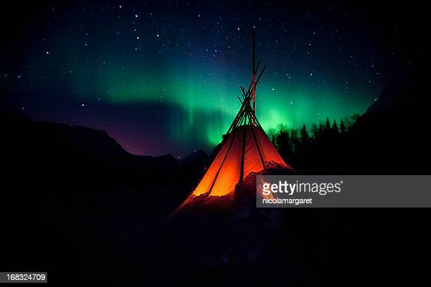 the northern lights aurora - aurora borealis stock pictures, royalty-free photos & images