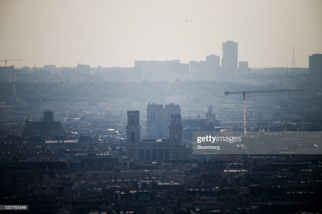 Aerial Pollution Research in French Capital City Center : News Photo