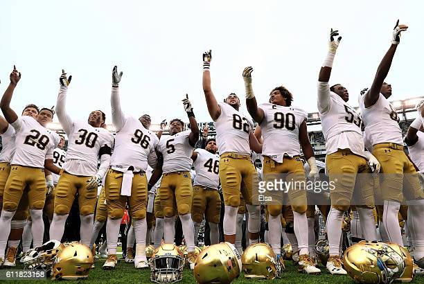 The Notre Dame Fighting Irish celebrate the win over the Syracuse Orange at MetLife Stadium on October 1 2016 in East Rutherford New JerseyThe Notre...