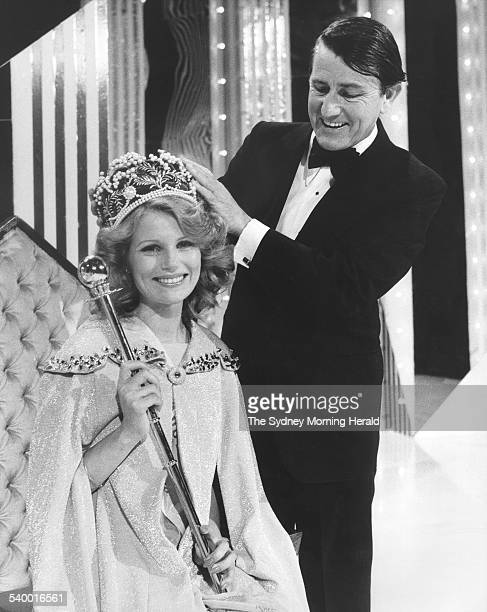 The NSW Premier Neville Wran crowns Miss Australia 1978 Miss Gloria Krope 26 October 1977 SMH Picture by MARTIN BRANNAN