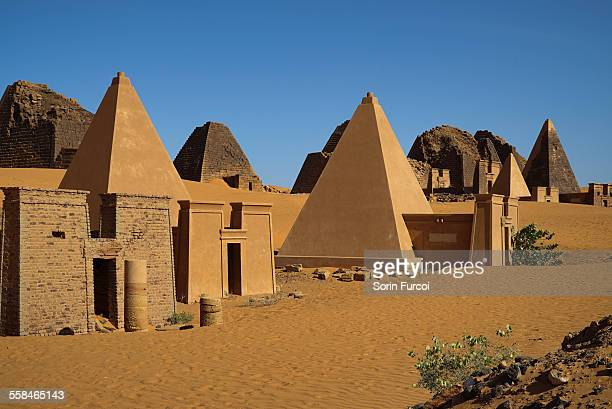 the nubian meroe pyramids of sudan - meroe stock pictures, royalty-free photos & images