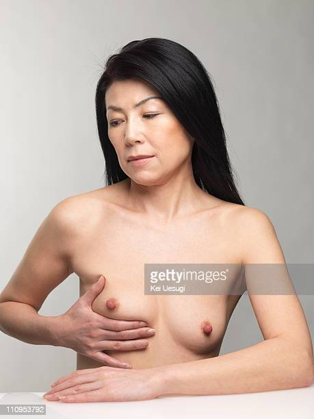 Middle Aged Woman Breasts Imagens E Fotografias De Stock  Getty Images-8848