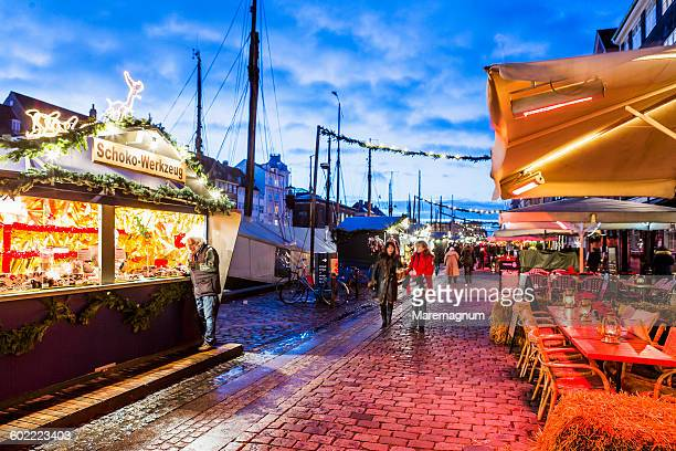 the nyhavn christmas market - nyhavn stock pictures, royalty-free photos & images