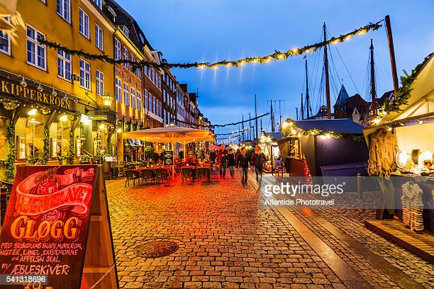 the nyhavn christmas market, the christmas market along the famous canal - copenhagen stock pictures, royalty-free photos & images