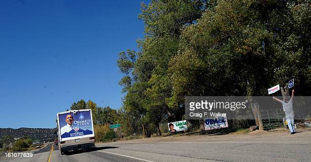 100908_OBAMA_SHERRY_CFW The Obama Campaign RV Rural Tour passes a supported while headed west for a string of community gatherings along highway 50...