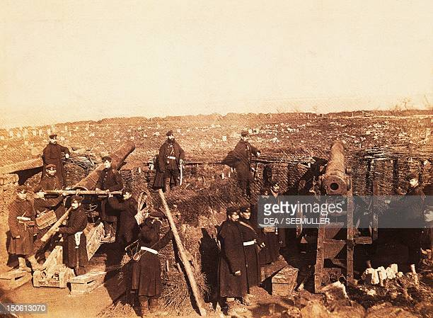 The occupation and bombardment of Paris by the Germans, battery of the Kronprinz VIII, January 1871. Franco-Prussian War, France, 19th century.
